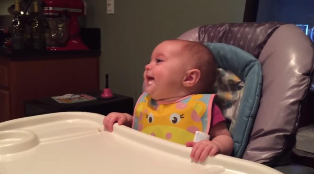 Малышка обрадовалась спарже