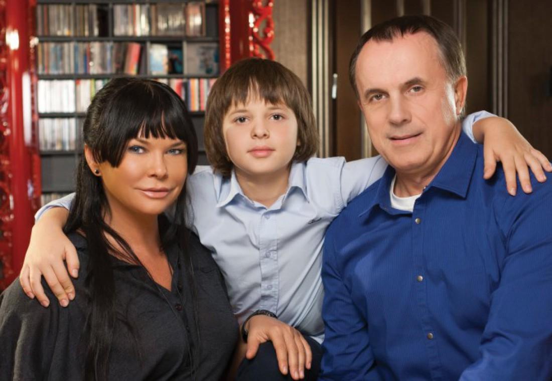 Ахат с мужем Игорем и сыном