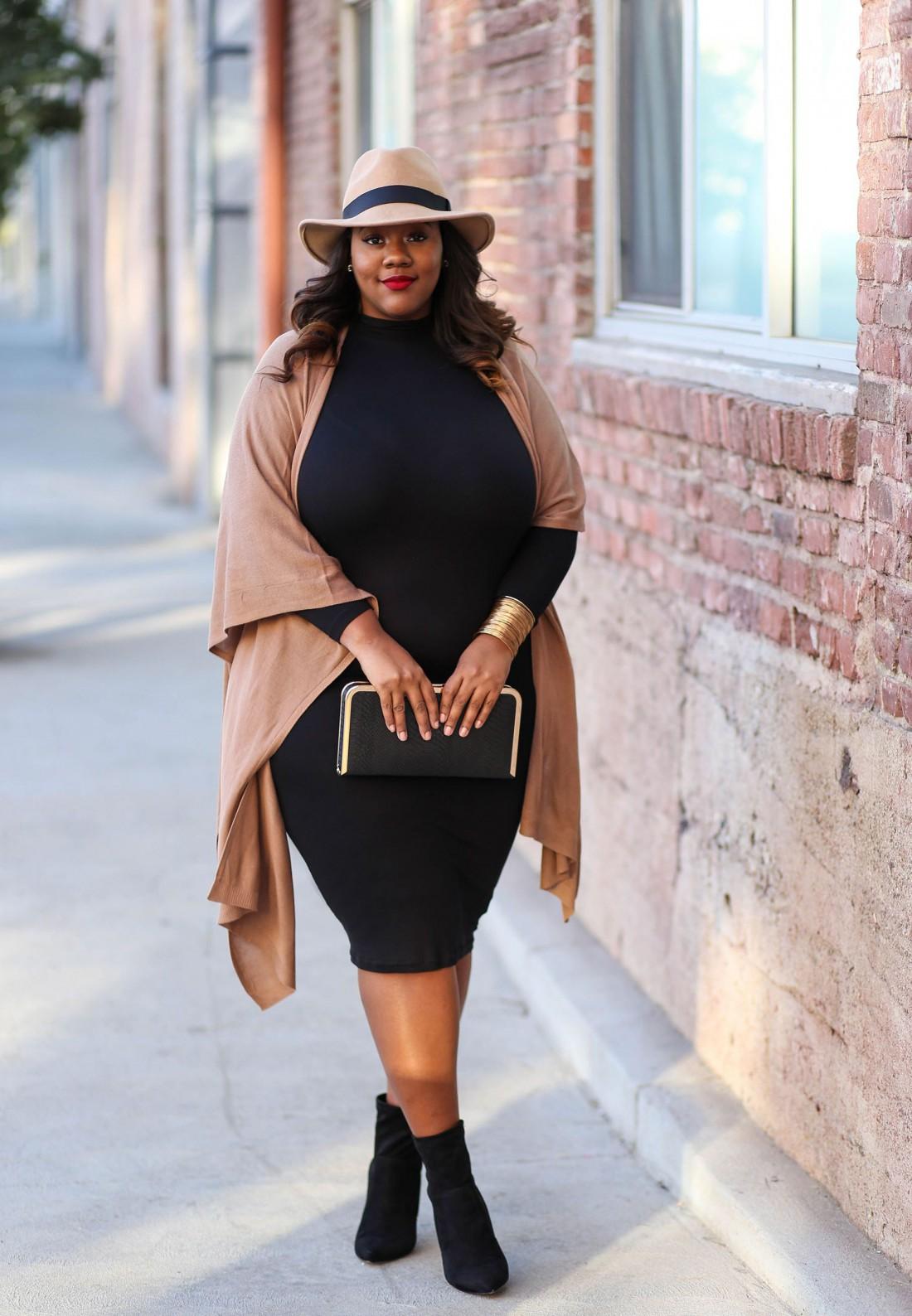 Черное платье + золотые аксессуары