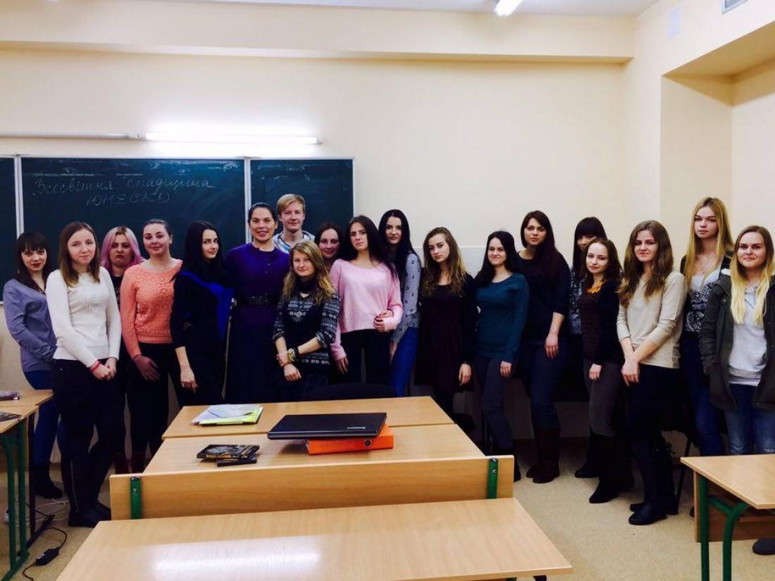 Со своими студентами