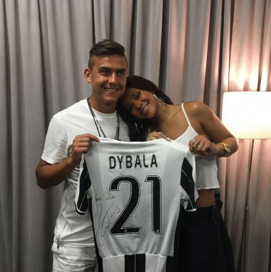 Пауло Дибала и Рианна