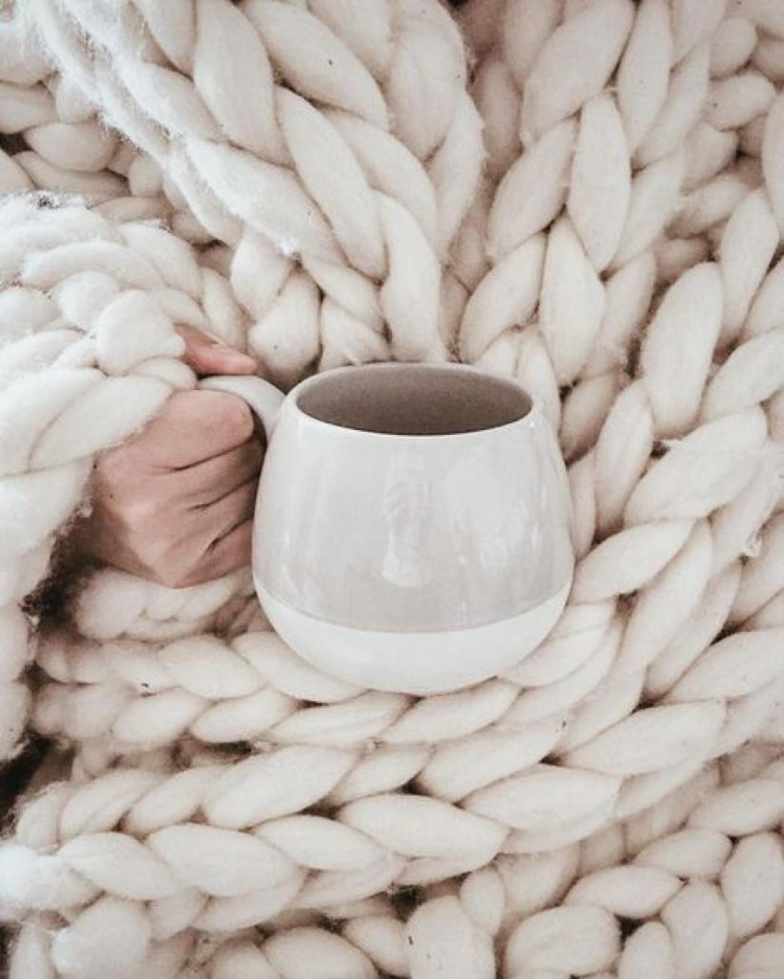 Пока организм не адаптировался к холодам, одеваться следует теплее