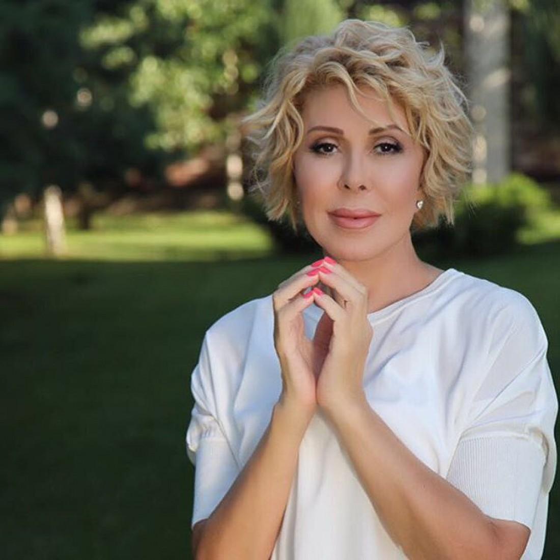 Известная российская певица оказалась винвалидном кресле
