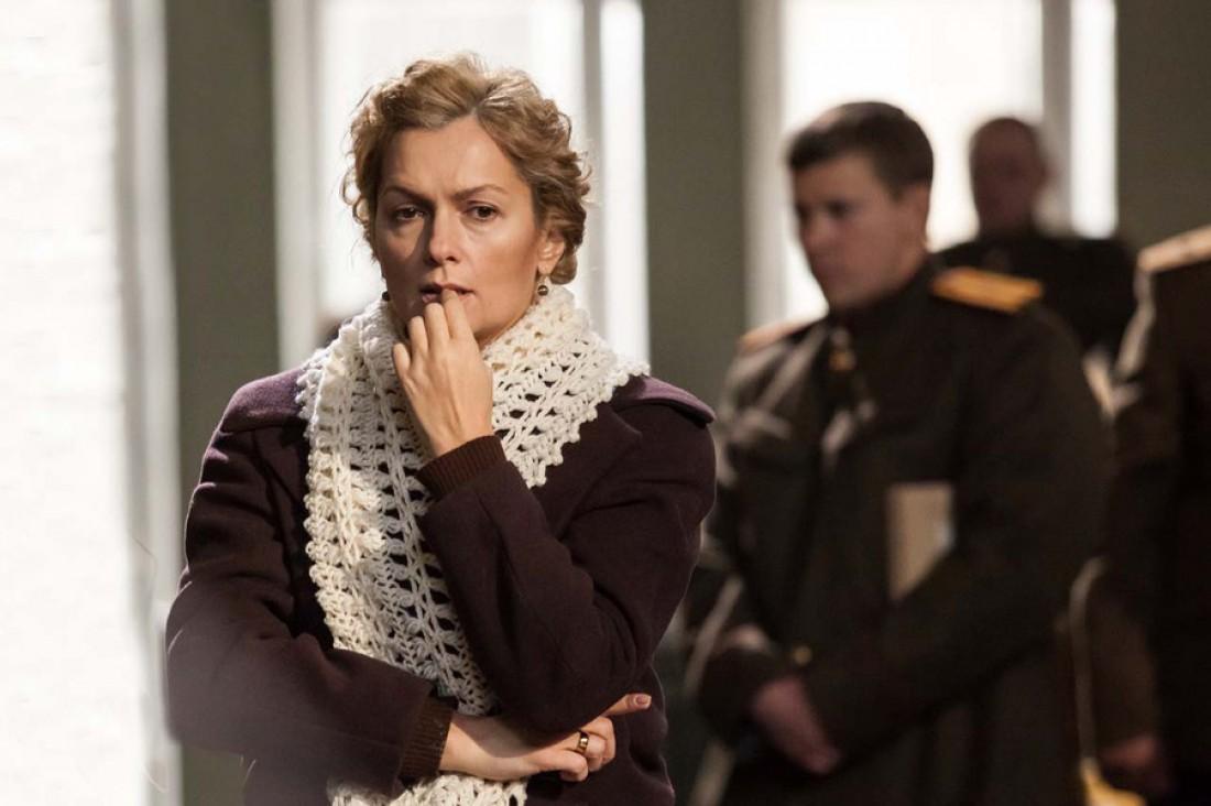 Кадр из фильма Офицерские жены