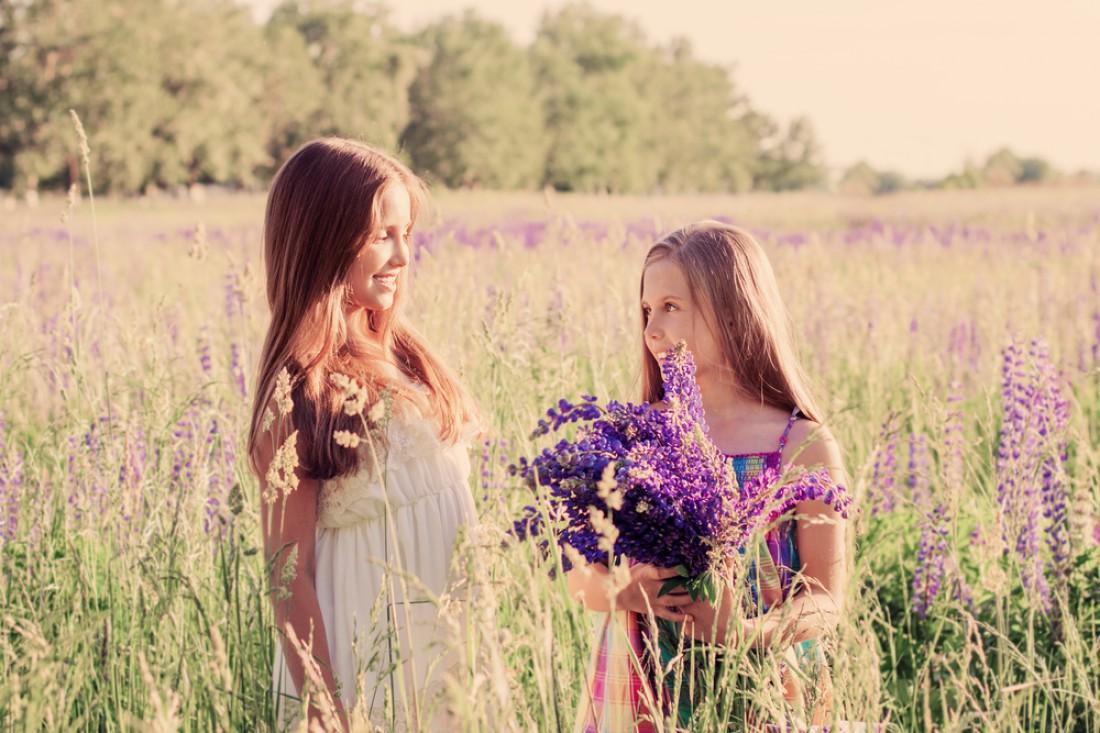 Подари цветы подружке