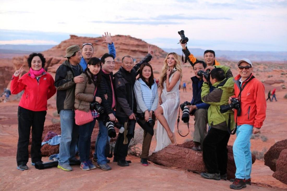 Регина с китайскими туристами