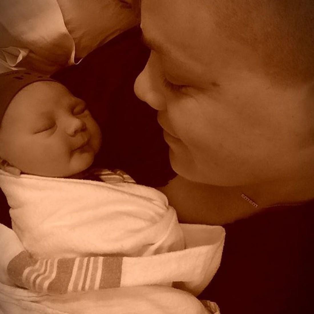 Пинк во 2-ой раз стала мамой: фото иимя ребенка