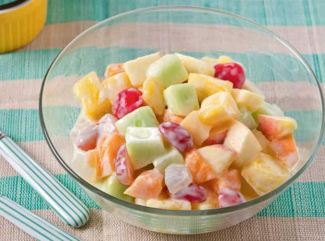 Новогодние салаты для детей: Фруктовый салат