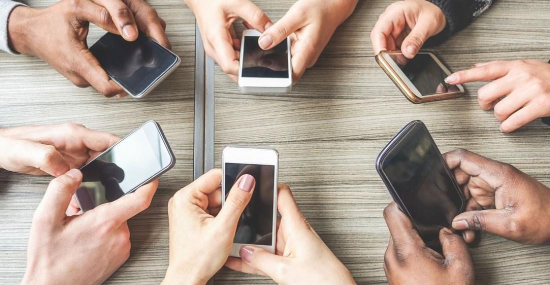 Публикации в социальных сетях: Как не навредить ребенку