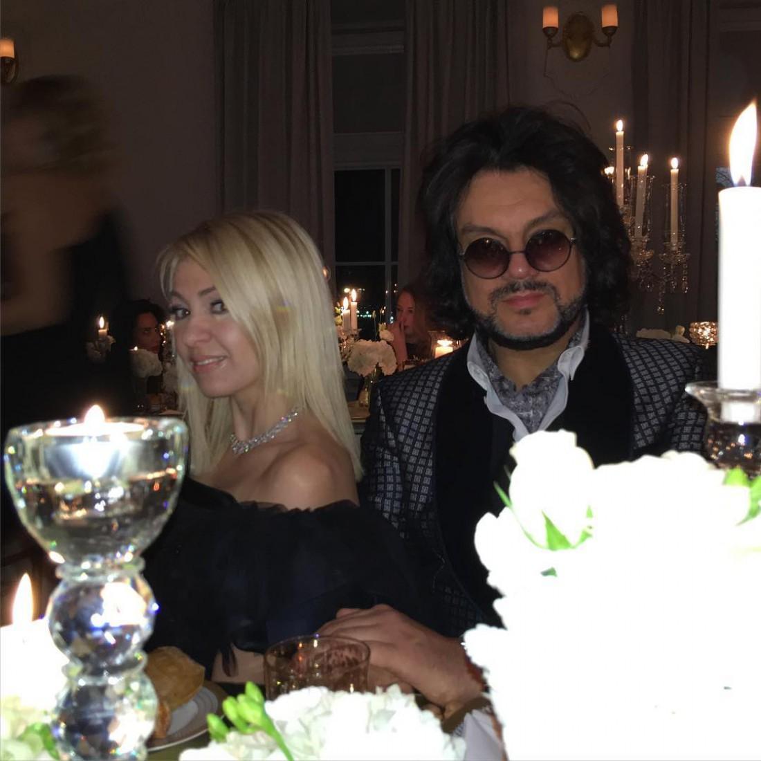 Яна Рудковская с Филиппом крикоровым на званом ужине Николетты