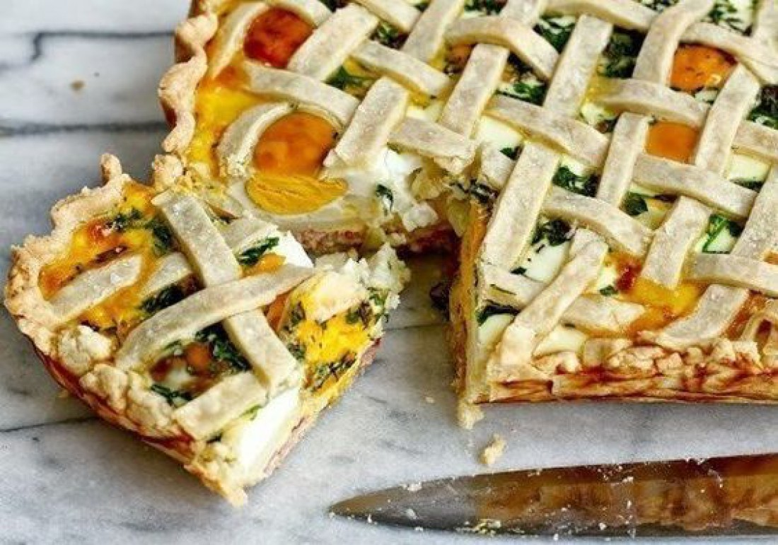 Что приготовить на католическую Пасху: Пирог с ветчиной и яйцом