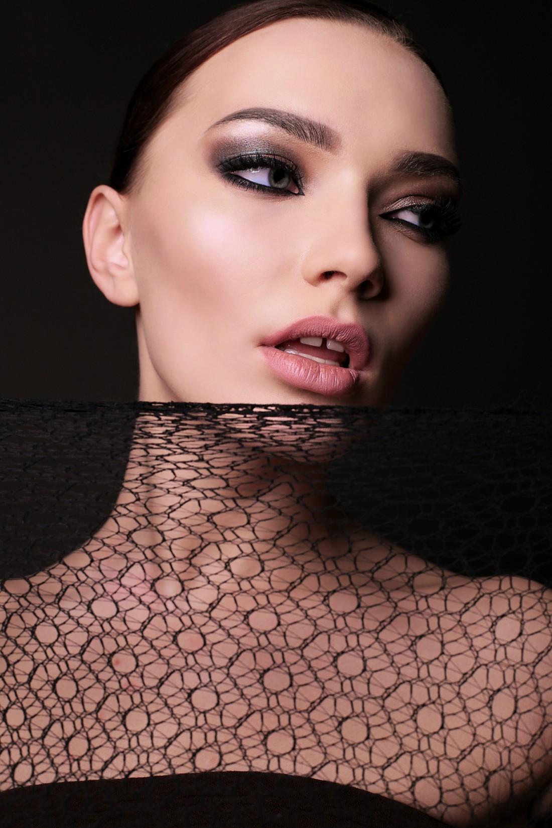 Красивый макияж – это уже половина успеха