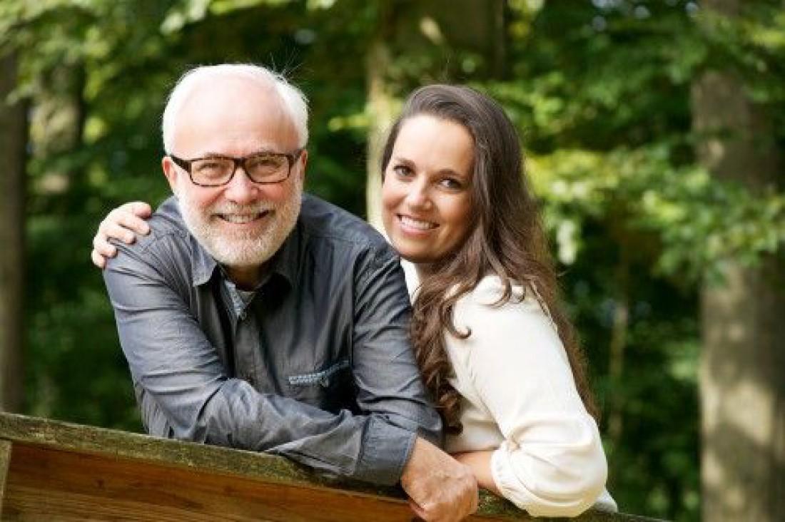 ТОП-15 лучших идей подарков для отца на День Рождения от дочери
