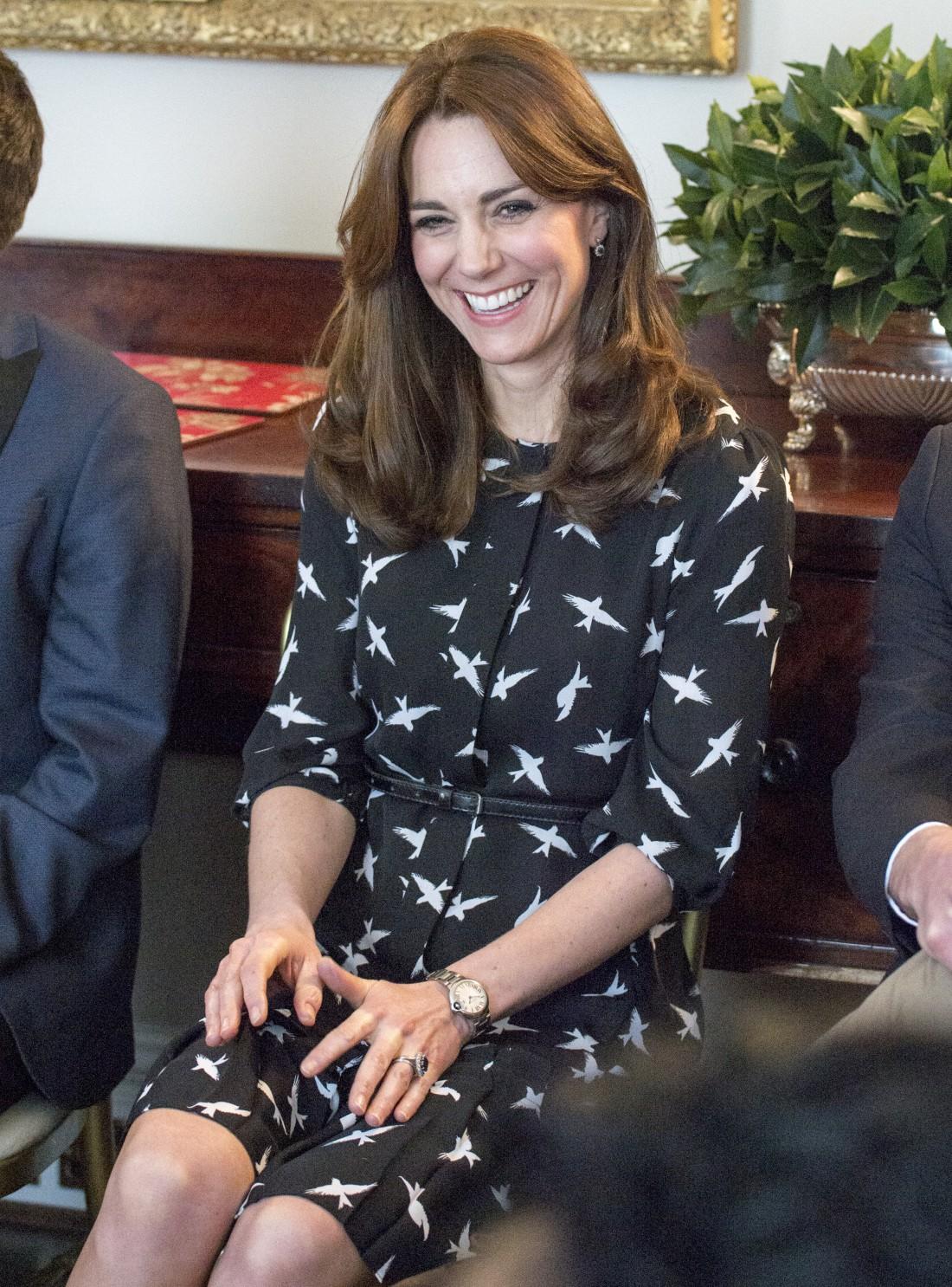 Герцогиня Кембриджская в платье от демократичного бренда