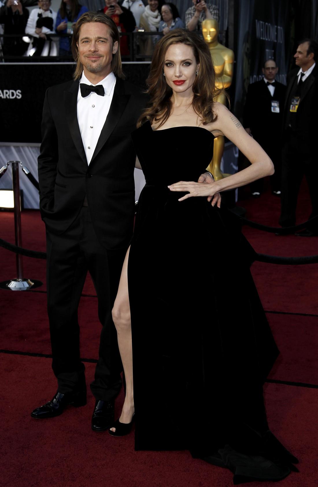 Голливудские актеры Бред Питт и Анджелина Джоли всегда радовали продуманными образами на красной дорожке