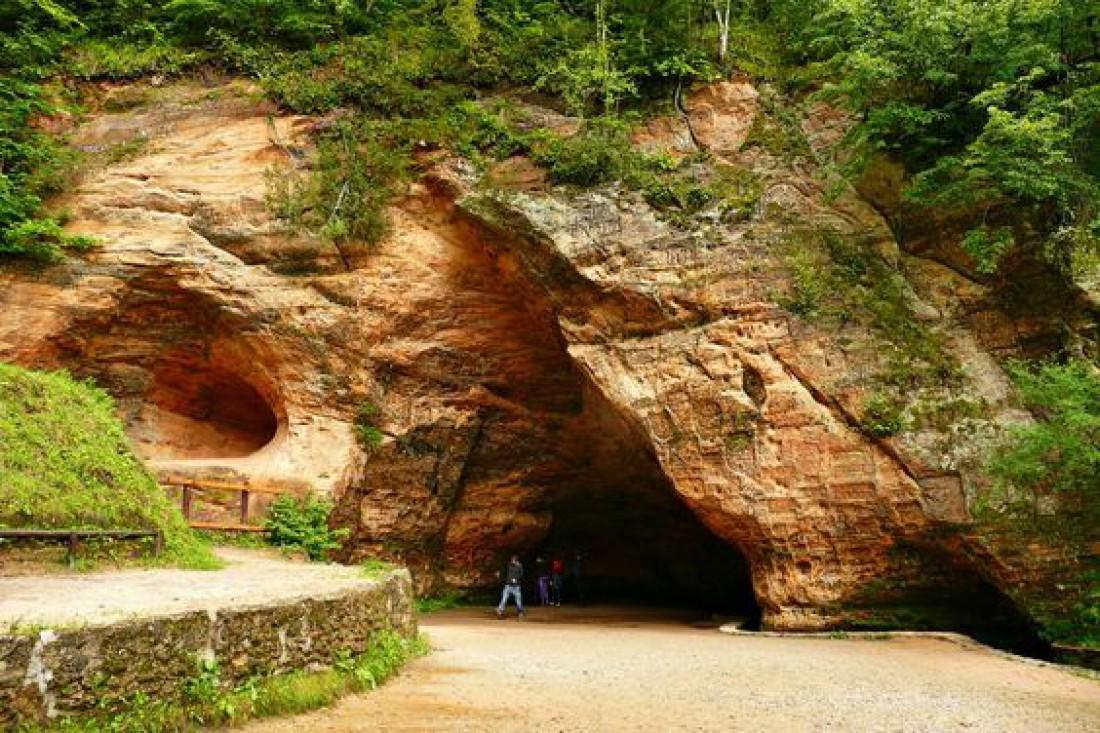 Пещера Гутманя - одна из самых больших пещер Латвии