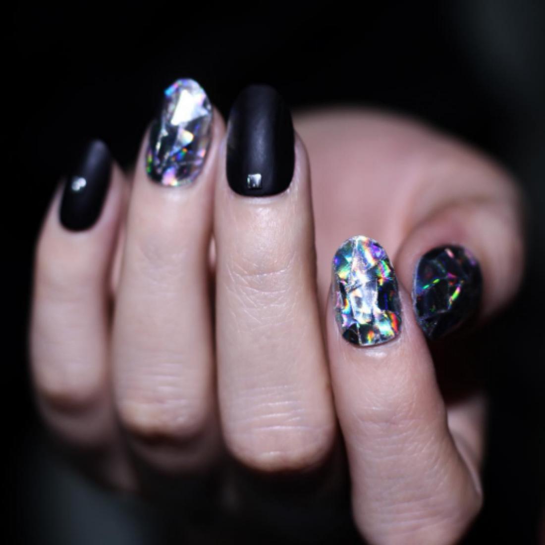Бриллиантовые ногти