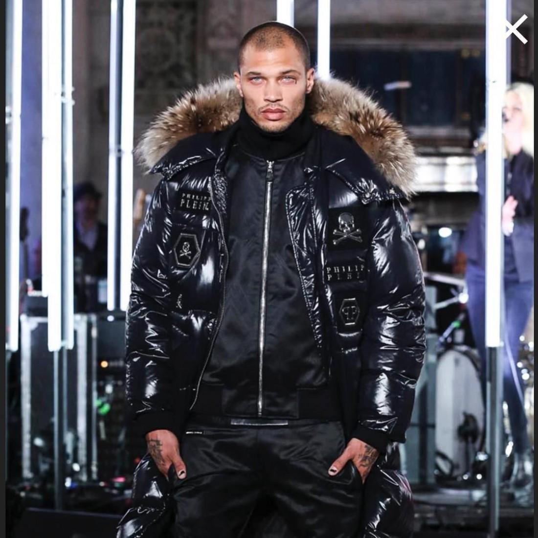 33-летний Джереми Микс дебютировал на Неделе моды в Нью-Йорке