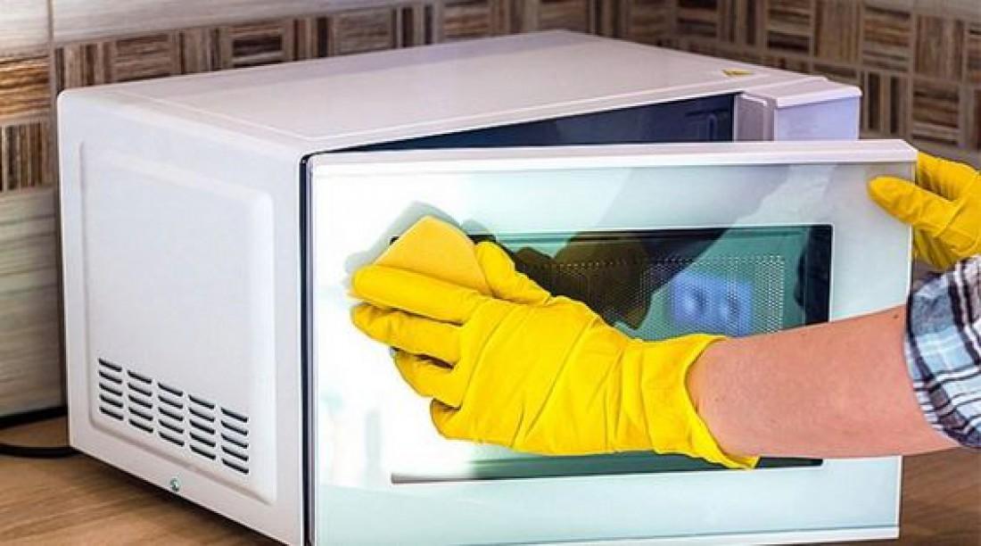 Как помыть микроволновую печь: Универсальный лайфхак