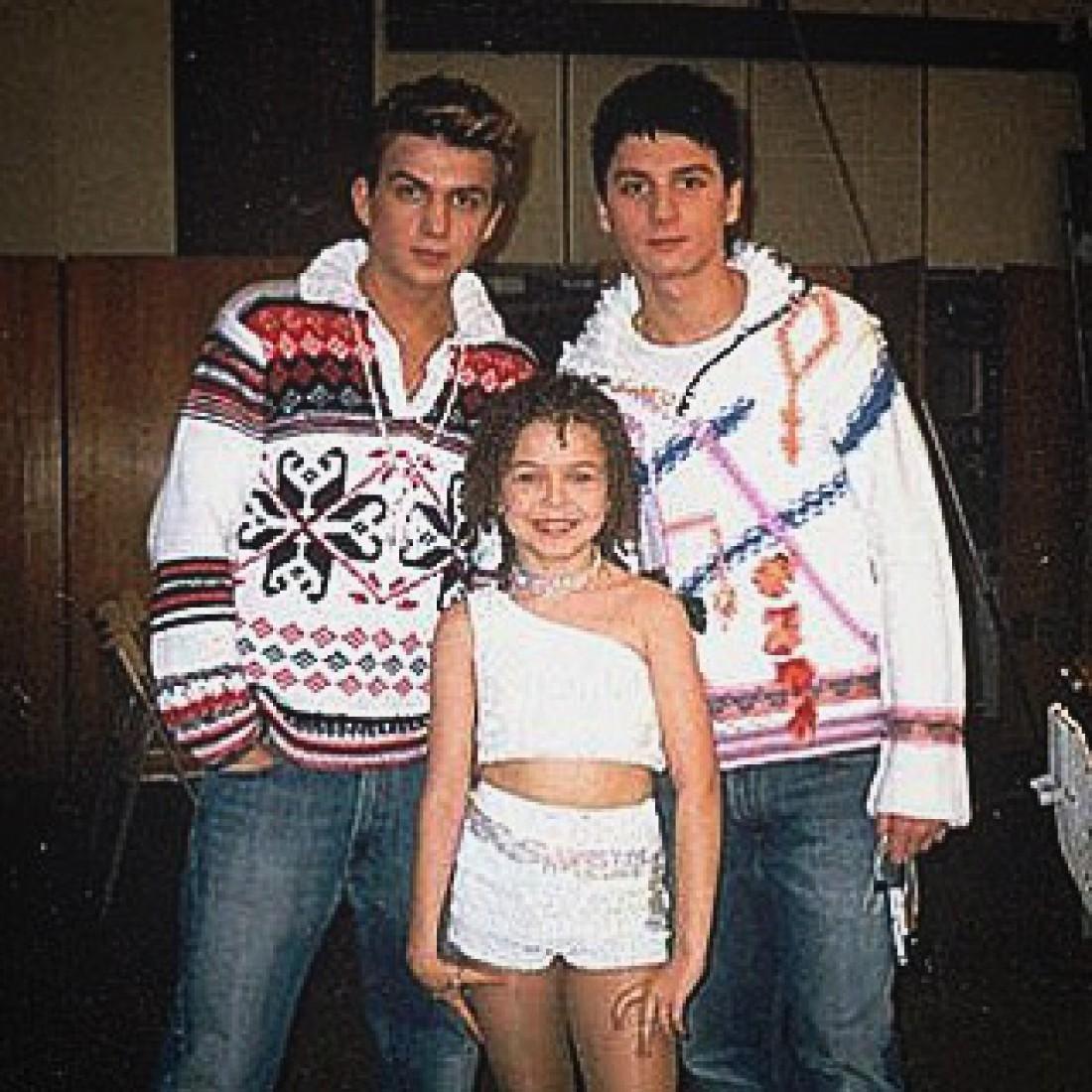 Алина вместе с Сергеем Лазаревым и Владом Топаловым