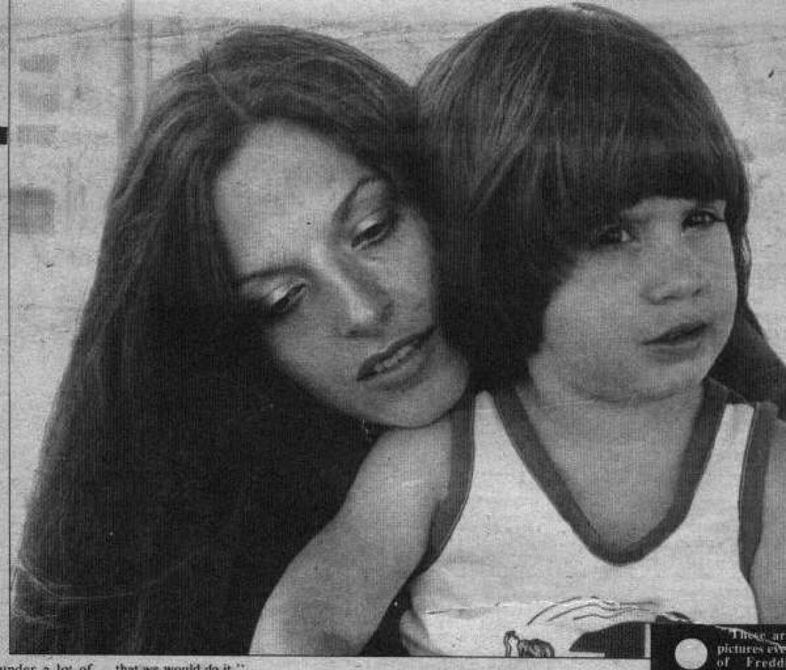 Фредди с мамой
