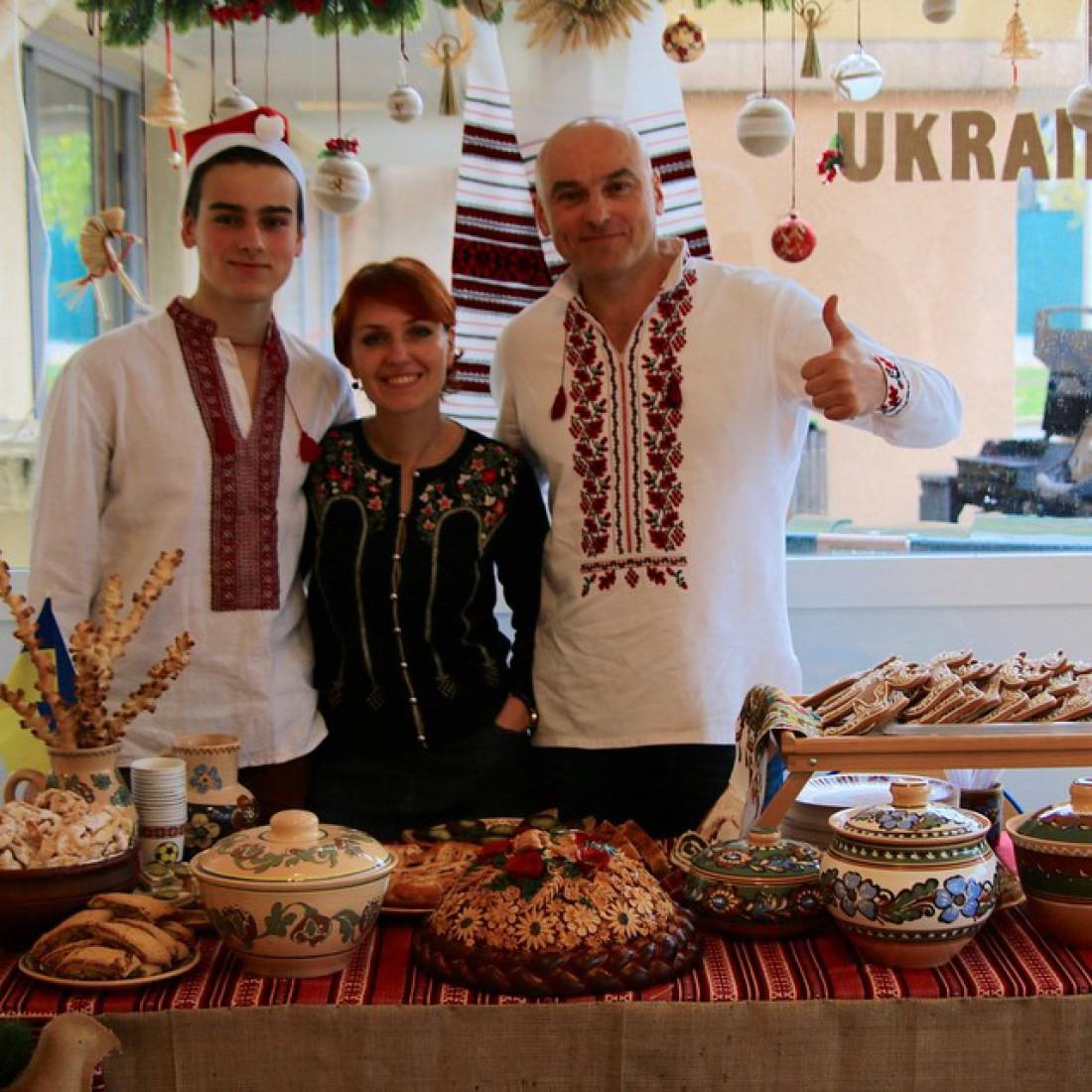 Игорь Захаренко с женой и сыном