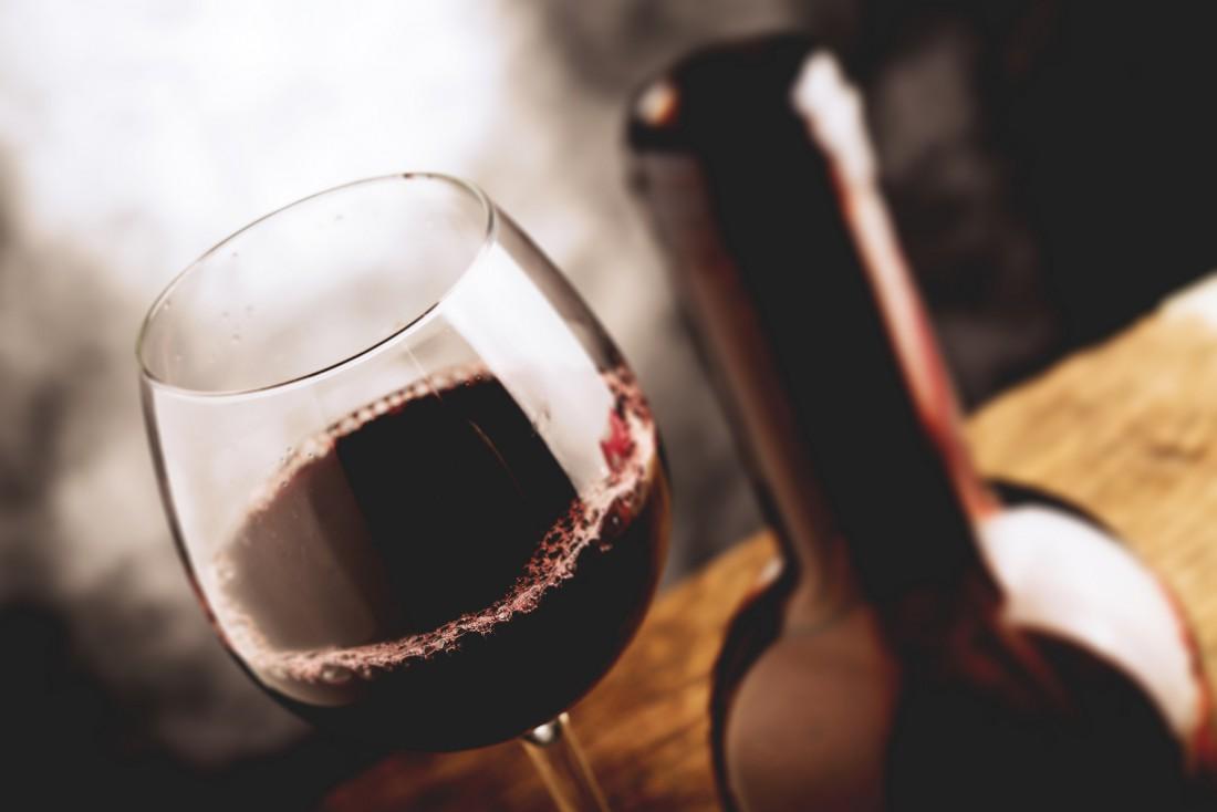 Красное вино помогает бороться с простудой и гриппом