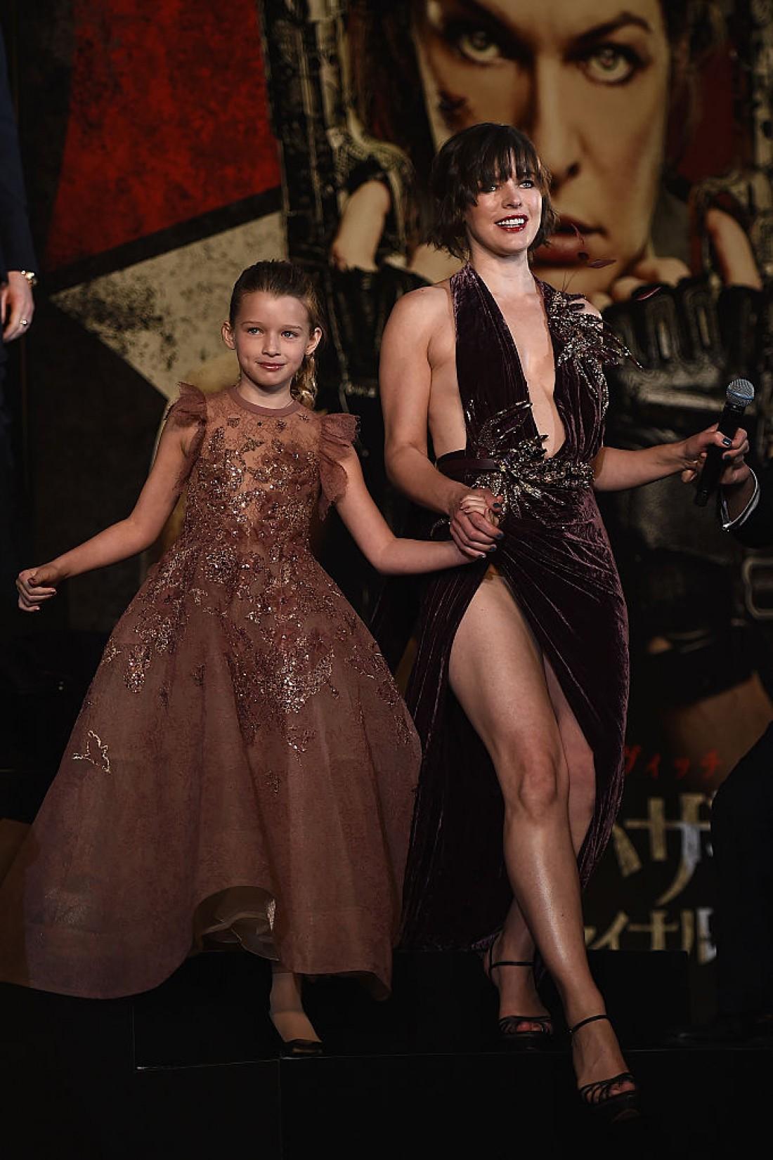Мила с дочкой