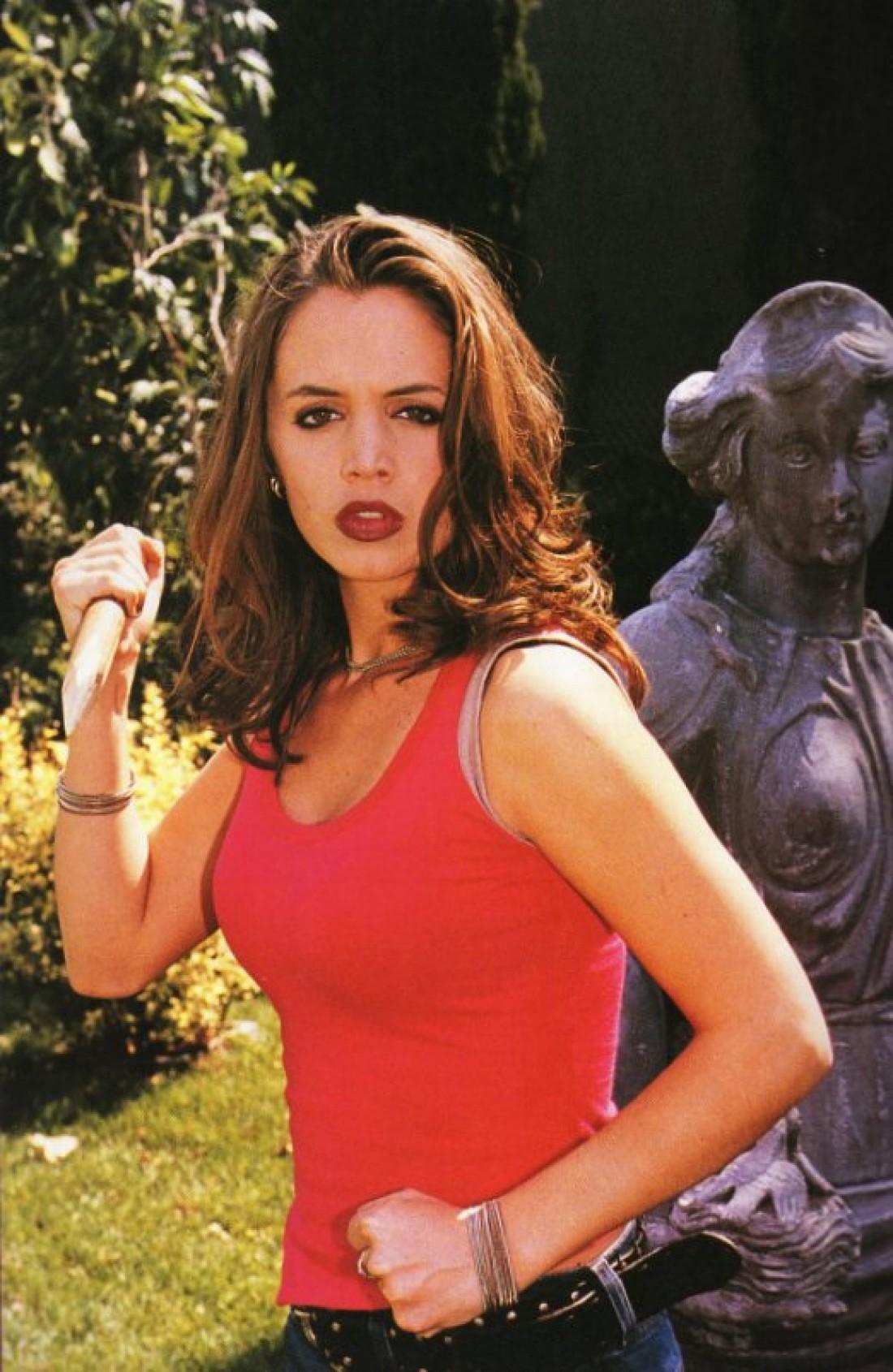 Элайза в роли Фэйт из сериала Баффи – истребительница вампиров
