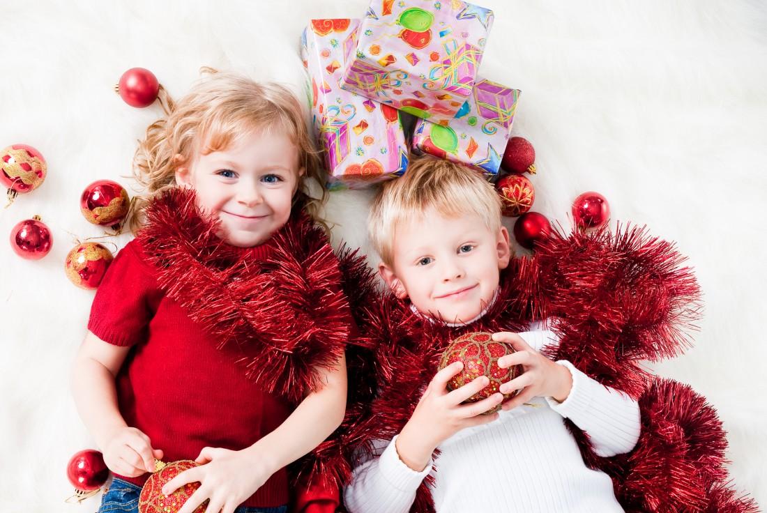 Ты можешь провести весело время со своим ребенком, загадывая ему загадки про зиму
