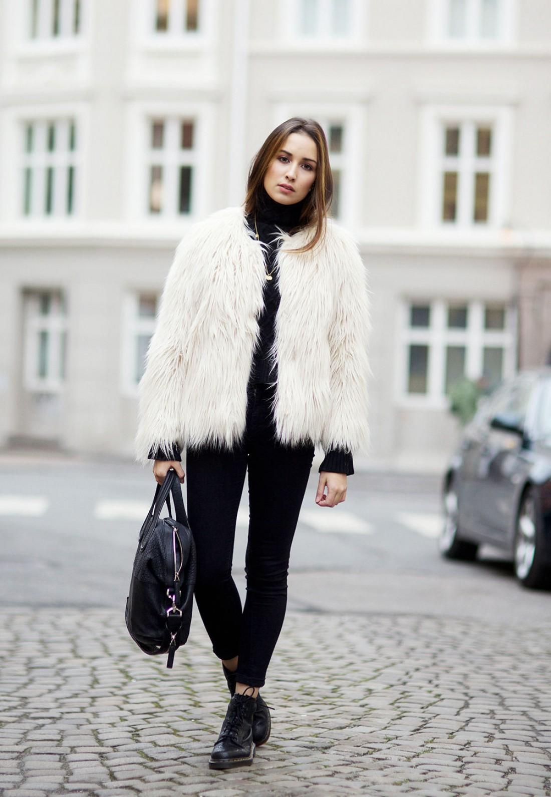 Как носить белый цвет осенью: способ № 2