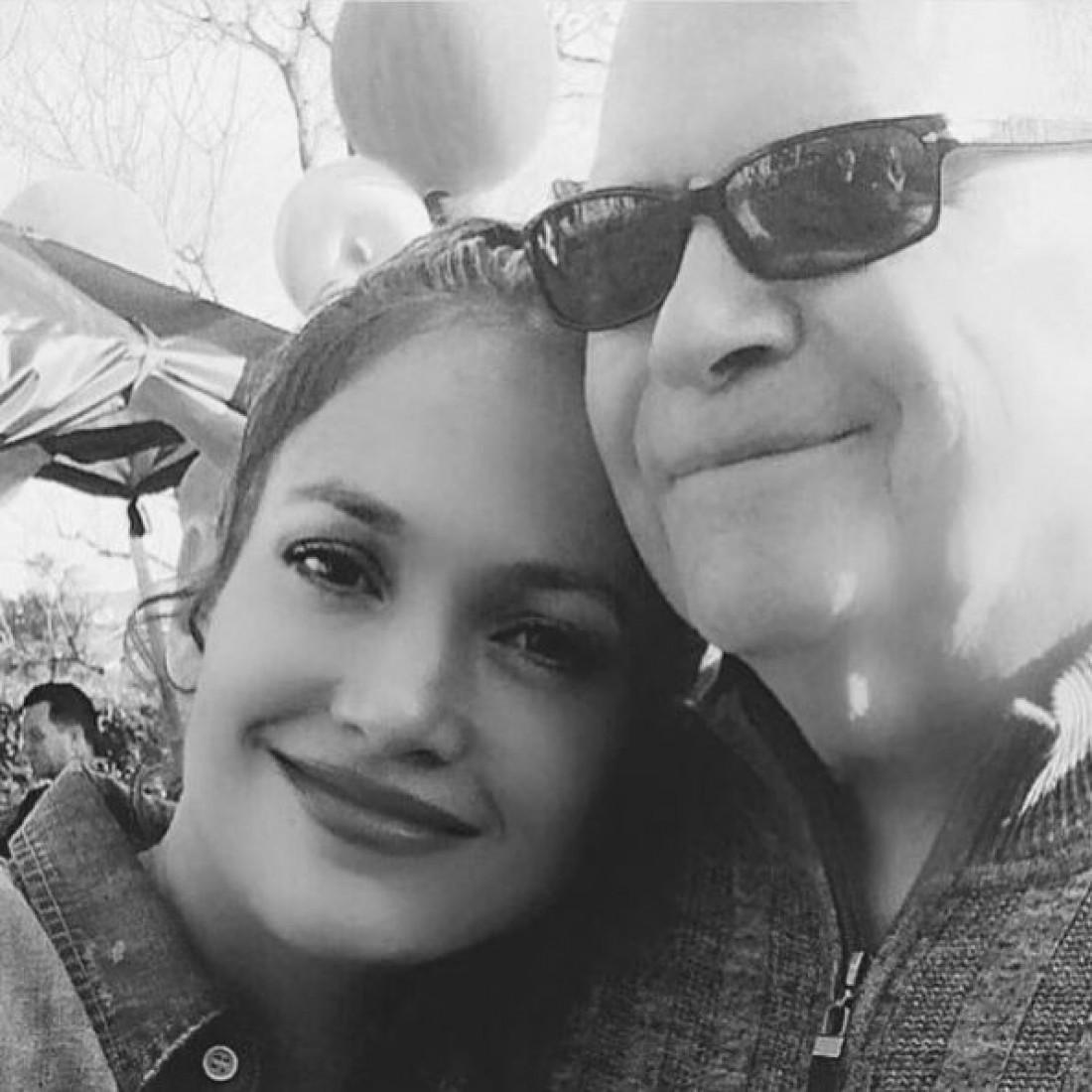 Дженнифер Лопес со своим отцом