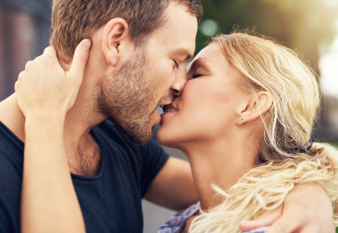 Таинство поцелуя: единение душ на языке тела