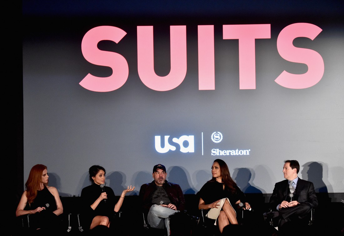 Меган Маркл на пресс-конференции, посвященной сериалу Форс-мажоры