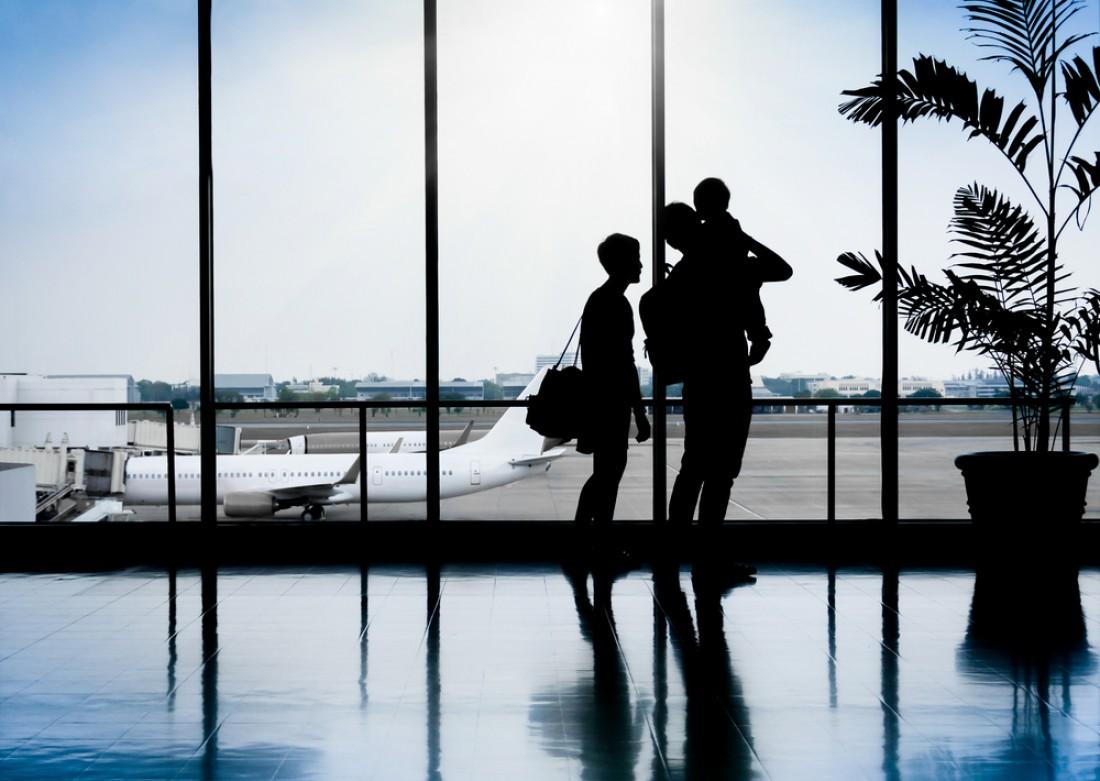Можно ли вывозить несовершеннолетнего ребенка за границу?