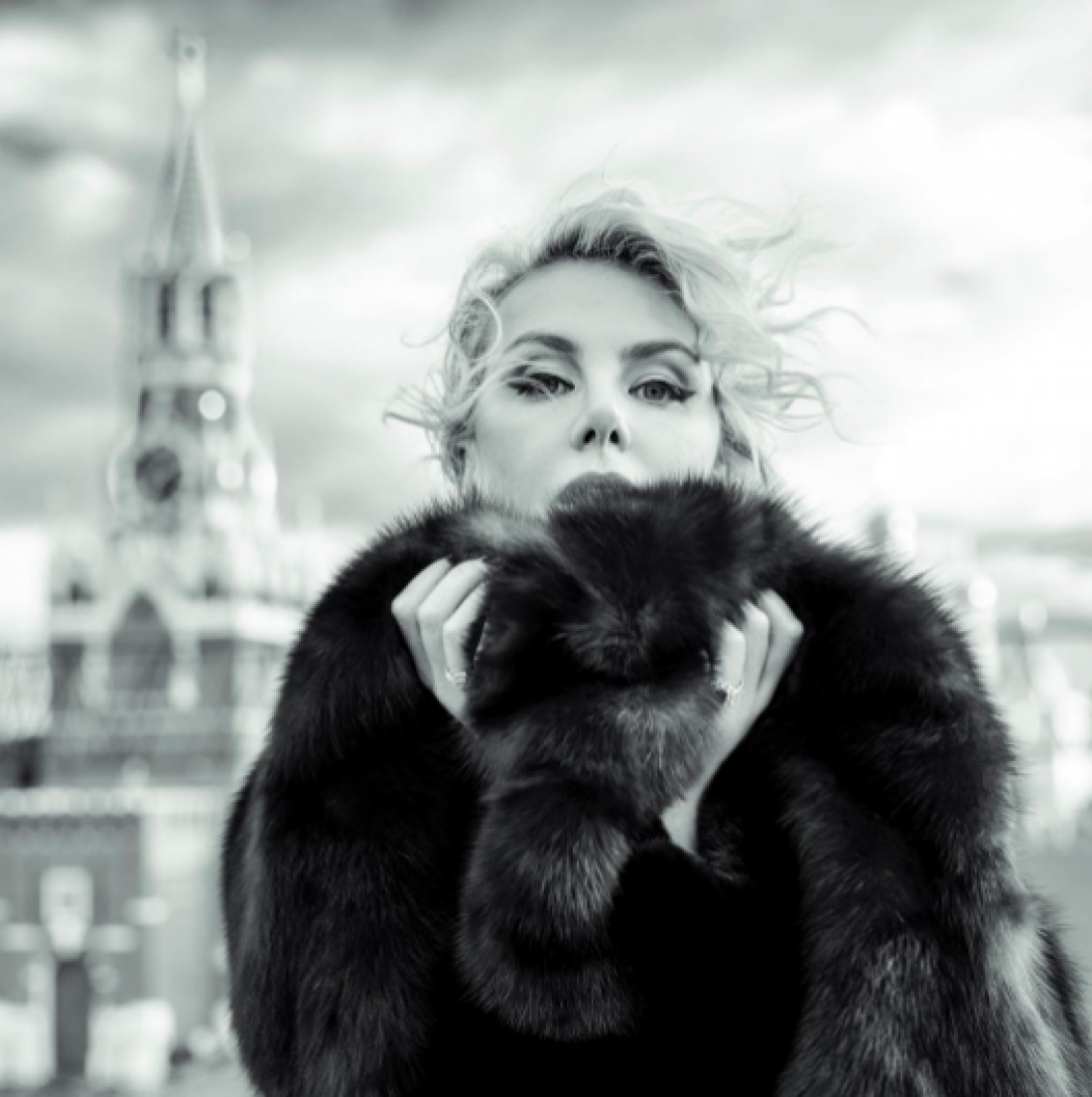 Актриса Рената Литвинова – красотка в 50