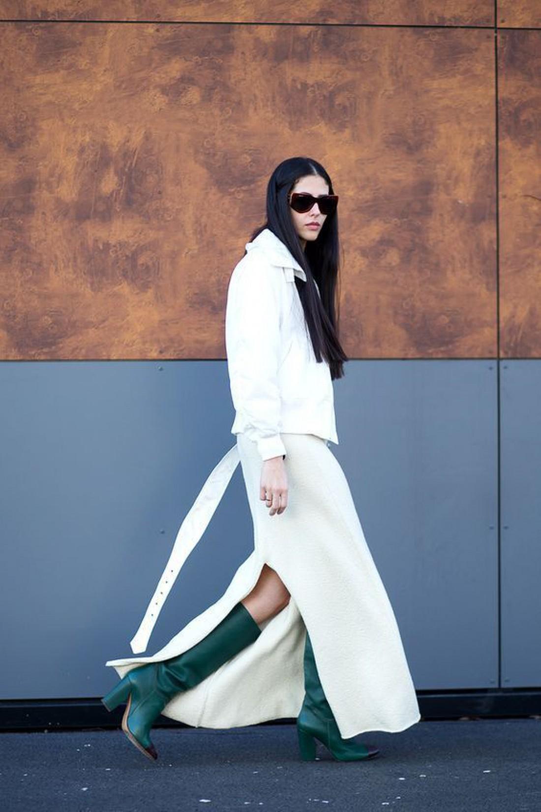 Как носить белый цвет осенью: способ № 8
