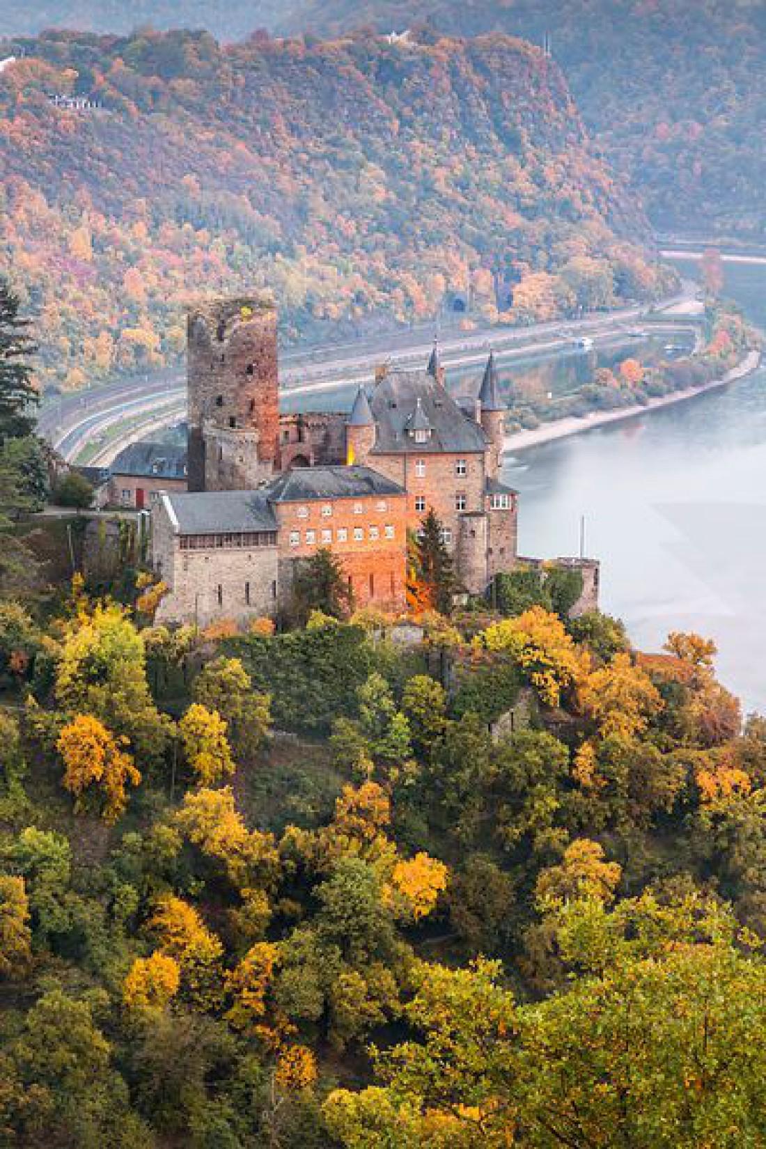 Замок Катц - лишь один из многих восхитительных замков долины Рейна
