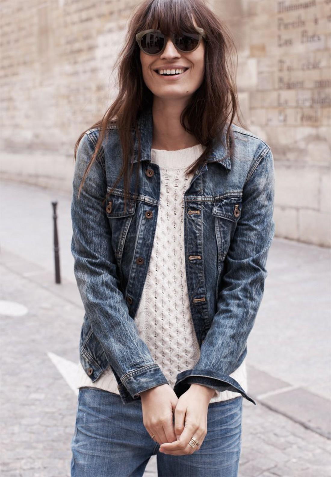 Французская модель Каролин Де Мегрэ