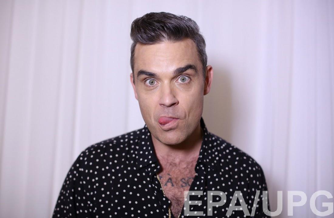 42-летний певец