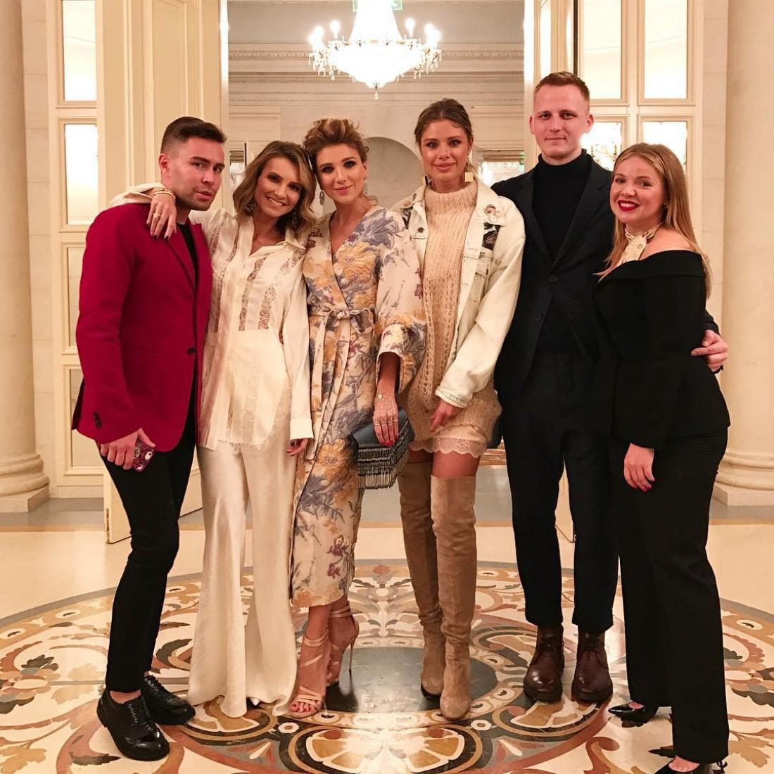 Катя Сильченко с друзьями