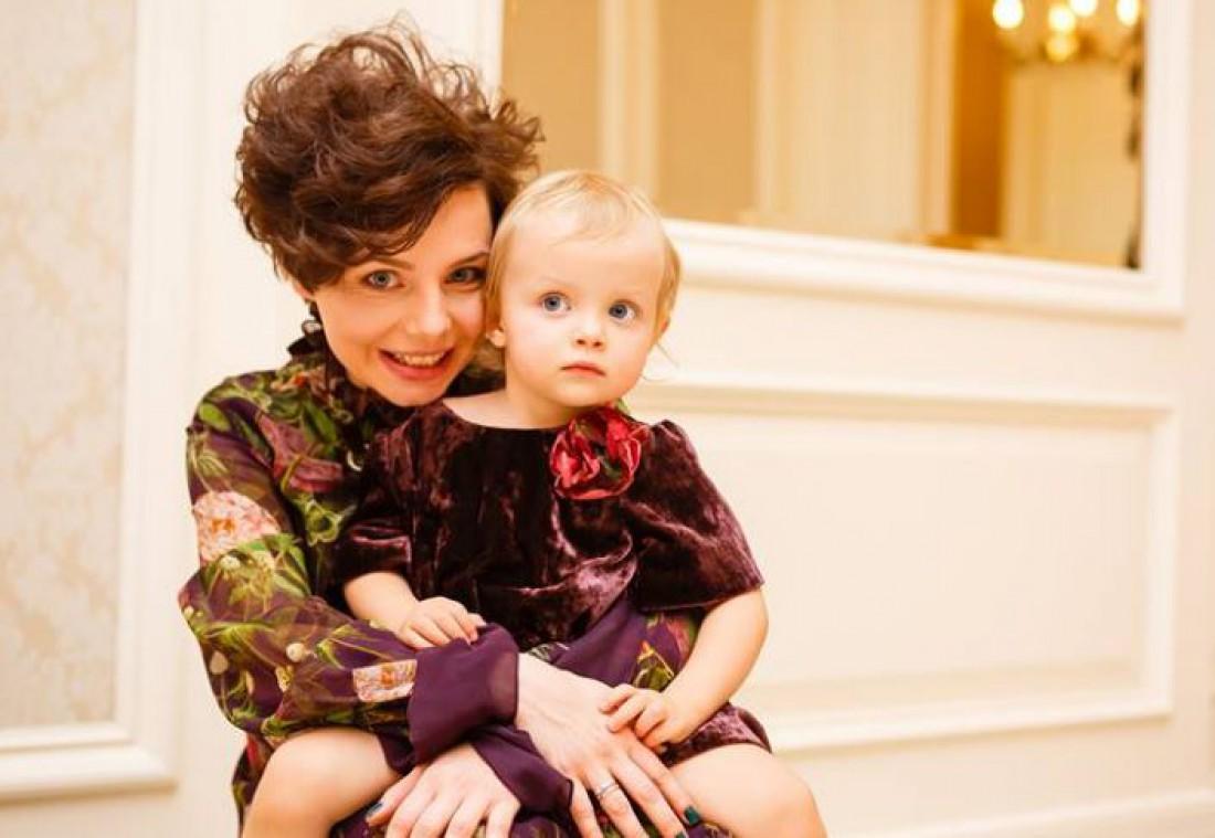 Украинская эстрадная певица вДень святого Валентина 2-ой раз стала мамой