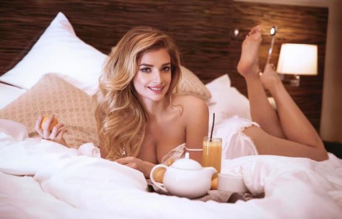 Татьяна Котова в спальне