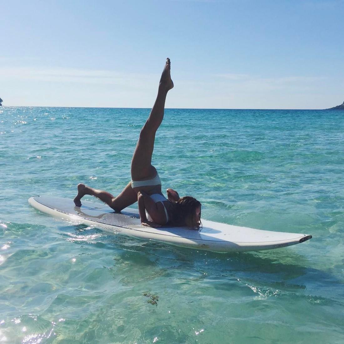 Тодоренко на серфинг доске