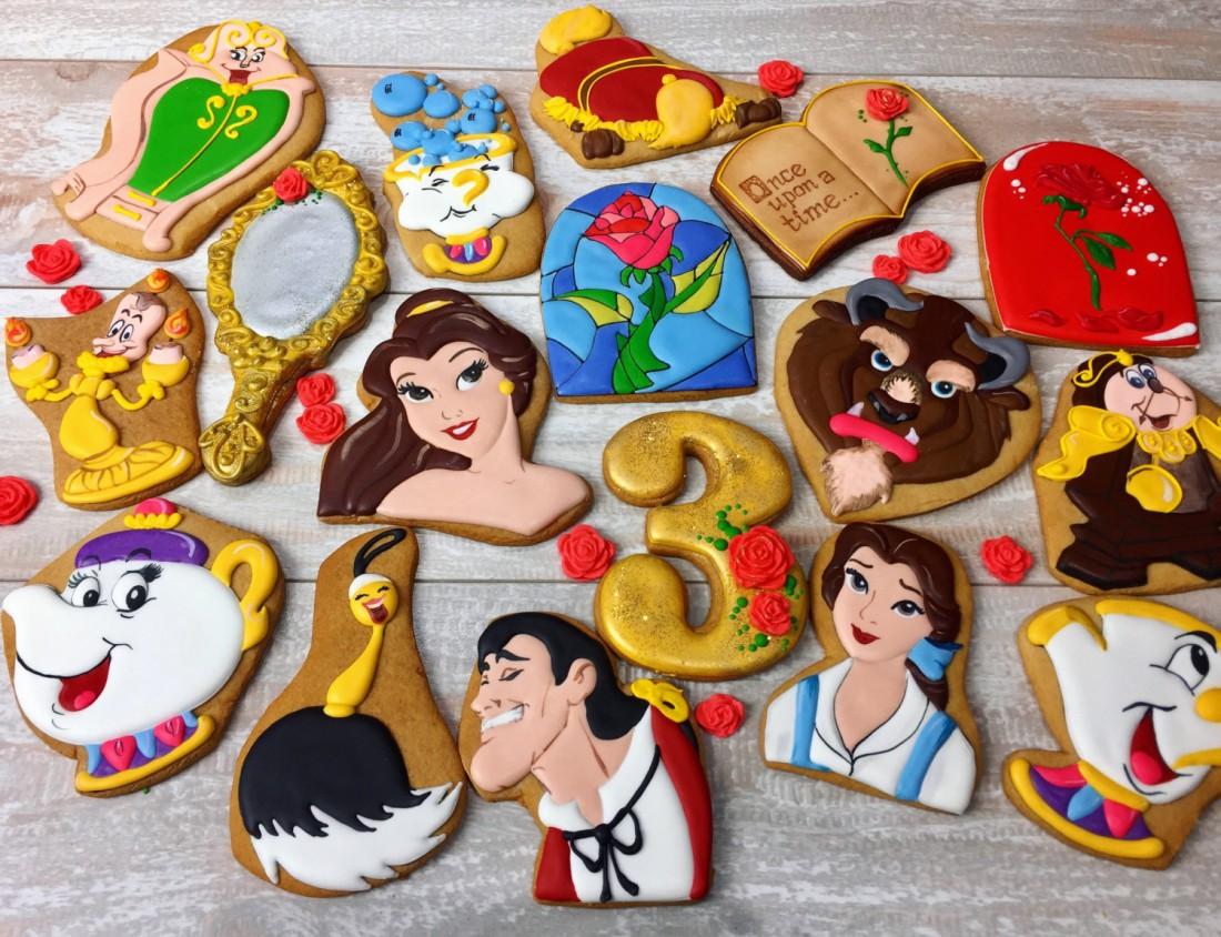Красавица и Чудовище: тематическое печенье в виде героев мультика