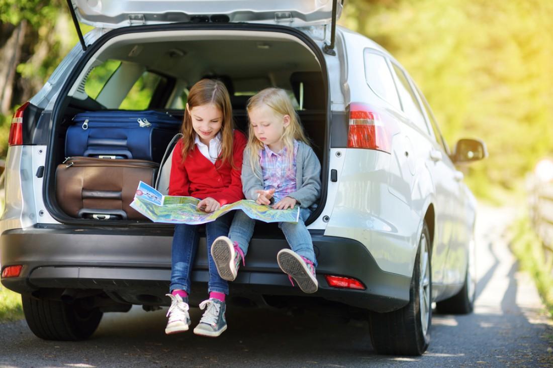 Чем занять ребенка во время долгой поездки на машине