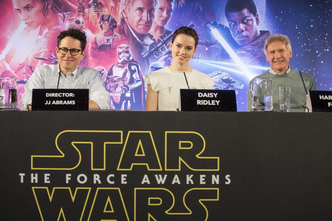 Актеры и режиссер Звездные войны: Пробуждение Силы