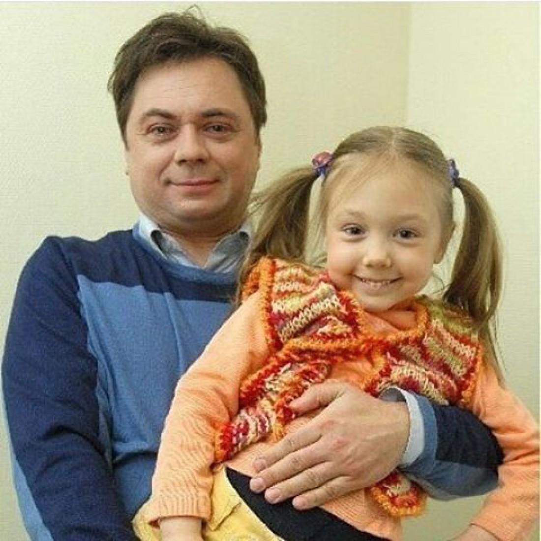 Екатерина Старшова со своим сериальным папой, актером Андреем Леоновым