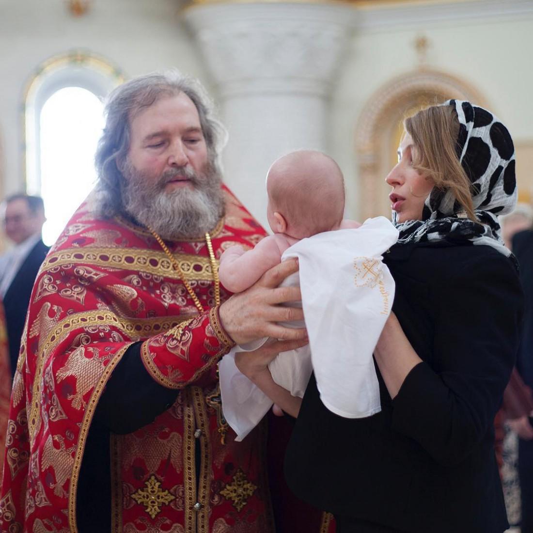 Фото с крестин Вероники