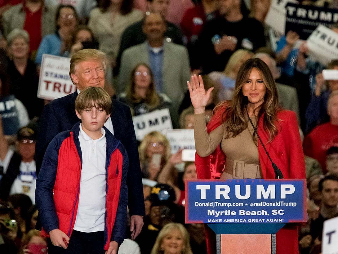 Дональд Трамп с Меланией и Бэрроном